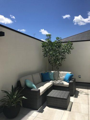 balcony modern decor