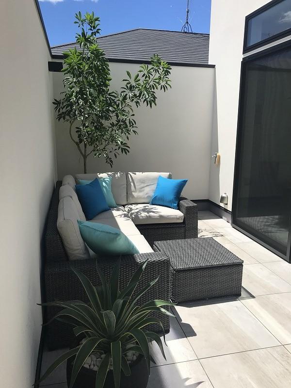modern balcony resort decor