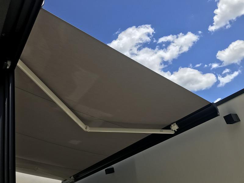 modern awning balcony オーニング
